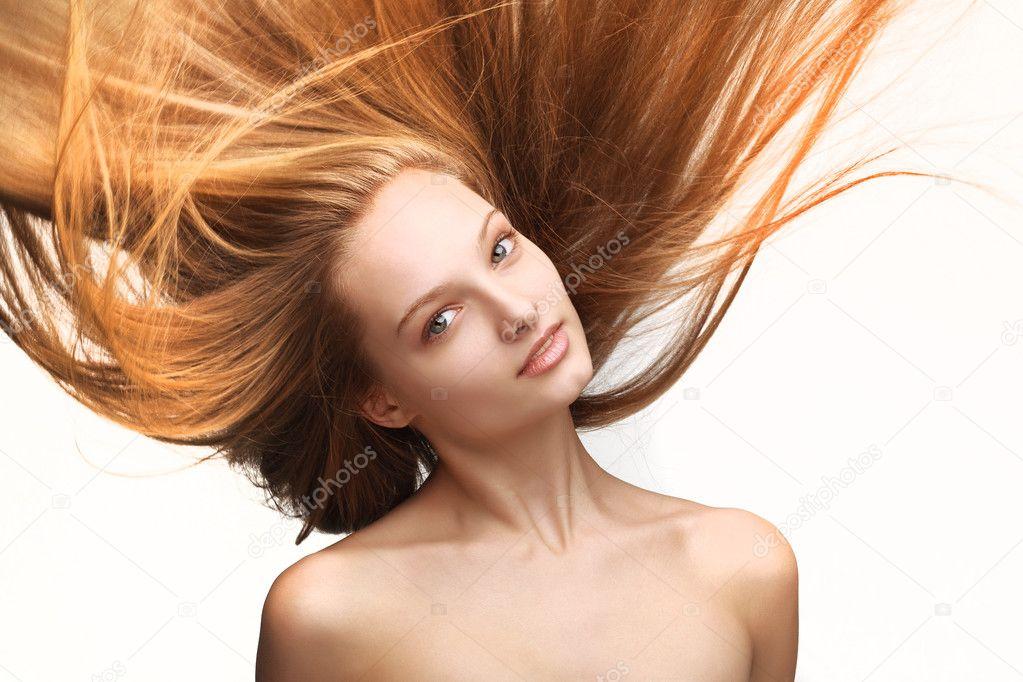 长头发的女孩 — 图库照片 #8426426图片