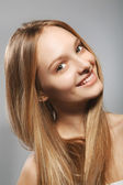 Smiling beautiful girl — Stock Photo