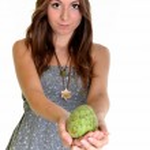 Girl with fruit — Stock Photo