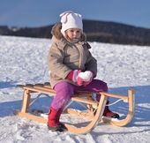 Baby sledding — Stock Photo