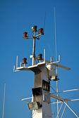 Antenas e sistema de navegação do navio — Foto Stock