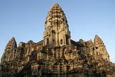 Ancient temple in Angkor wat, Cambodia — Photo