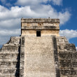 Kukulkan Pyramid Top at Chichen Itza — Stock Photo