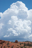 Red Canyon with a Towering Thunderhead — Stock Photo