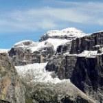 Panorama delle bellissime montagna della val di fassa con il sass Pordoi — Stock Photo #8836834