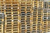 Houten pallets voor de opslag van de goodsods — Stockfoto