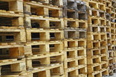 Wood pallets for the storage of the goods — Fotografia Stock