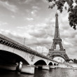 Eiffel tower view from Seine river — Stock Photo #8909404