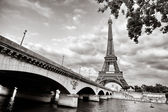 Eiffel tower view from Seine river — ストック写真