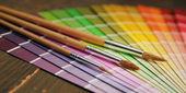 Renk kılavuzu ve fırçalar — Stok fotoğraf