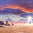 Постер, плакат: Ufo and aliens in the desert