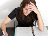Mujer estudiando — Foto de Stock
