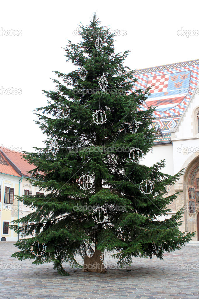 Green Christmas Tree In Front Of St. Mark's Church In Zagreb — Stock Photo #8220766