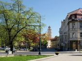 Spring in old Vilnius city with churches and green trees — Stock Photo