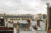 Camini in tetti di parigi — Foto Stock