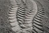 轮胎印在沙 — 图库照片