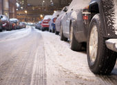 Parked cars in winter — Stock Photo