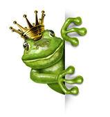 Prince grenouille avec la couronne d'or tenant une pancarte blanche verticale — Photo