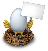 Egg In a Nest Holding a Blank Sign — Stock Photo