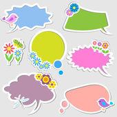 Burbujas de discurso con pájaros y flores — Vector de stock