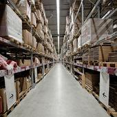 Einkaufen lager logistik Pakete Transport versand verpackung lagerhalle — Stock Photo