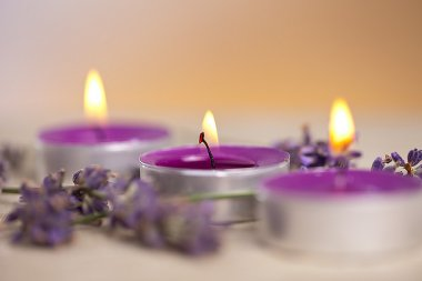 Candels with flamme with lavender
