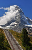 Cervin avec chemin de fer — Photo