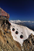 Aiguille du Midi cable car station — Stock Photo