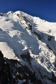 Cosmique refuge and the Mont Blanc massif — Stock Photo