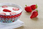 Porridge with strawberries — Stock Photo