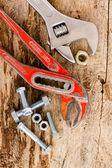 Dois velho, ajustável chave e conjunto de porcas — Foto Stock