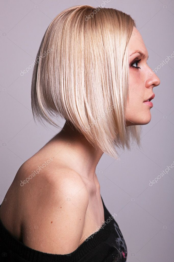 Pretty young blond girl in profile — Stock Photo #8911543