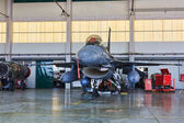 MONTE REAL, PORTUGAL-APRIL 7: F-16 Portuguese on hangar for maintenance on — Stock Photo