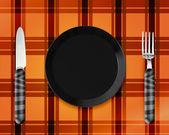 Tom tallrik med kniv och gaffel — Stockfoto