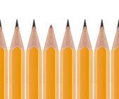 Broken pencil and sharp pencils — Stock Photo