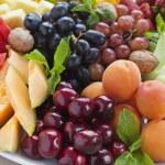 Summer fruit platter — Stock Photo #8593483