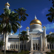 Stock Photo: Omar Ali Saifuddin Mosque in Bandar Seri Begaw- Brunei Darusalam