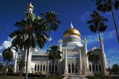 Omar Ali Saifuddin Mosque in Bandar Seri Begawan - Brunei Darusalam — Stock Photo