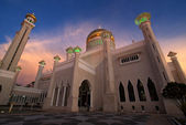 Sunset - Omar Ali Saifuddin Mosque in Bandar Seri Begawan, Brunei Darusalam — Stock Photo