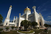 Omar Ali Saifuddin Mosque in Bandar Seri Begawan - Brunei Darusalam — Stock Photo