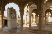 BADA BAGH CENOTAPHS (GRAVES OF MAHARADJAS) IN JAISALMER (RAJASTHAN). — Stock Photo