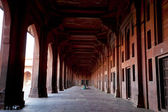 HALL WAY IN THE JAMA MASJID MOSQUE iN FATEHPUR SIKRI. UTTAR PRADESH. INDIA. — Stock Photo