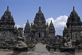 Chrám prambanan - archeologické naleziště v indonésii java — Stock fotografie