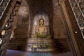 Entrance to the golden buddha of Thatbyunnyu Pahto - Bagan's highest t — Stock Photo