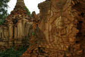 Old bhuddist pagodas in Nyaungschwe - Inle Lake - Eastern Myanmar (Burma) — Stock Photo