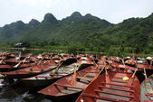 Rowing boats outside the Perfume Pagoda in Vietnam — Stok fotoğraf