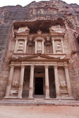 The Treasury in Petra - the famous temple of Indiana Jones in Jordan — Stock Photo