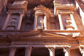 Facade of the Treasury in Petra - the famous temple of Indiana Jones in Jordan — Stock Photo