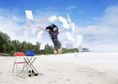 Saltando felice imprenditrice — Foto Stock