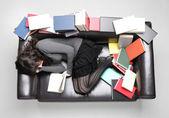 Student usnul zatímco dělá svůj domácí úkol — Stock fotografie